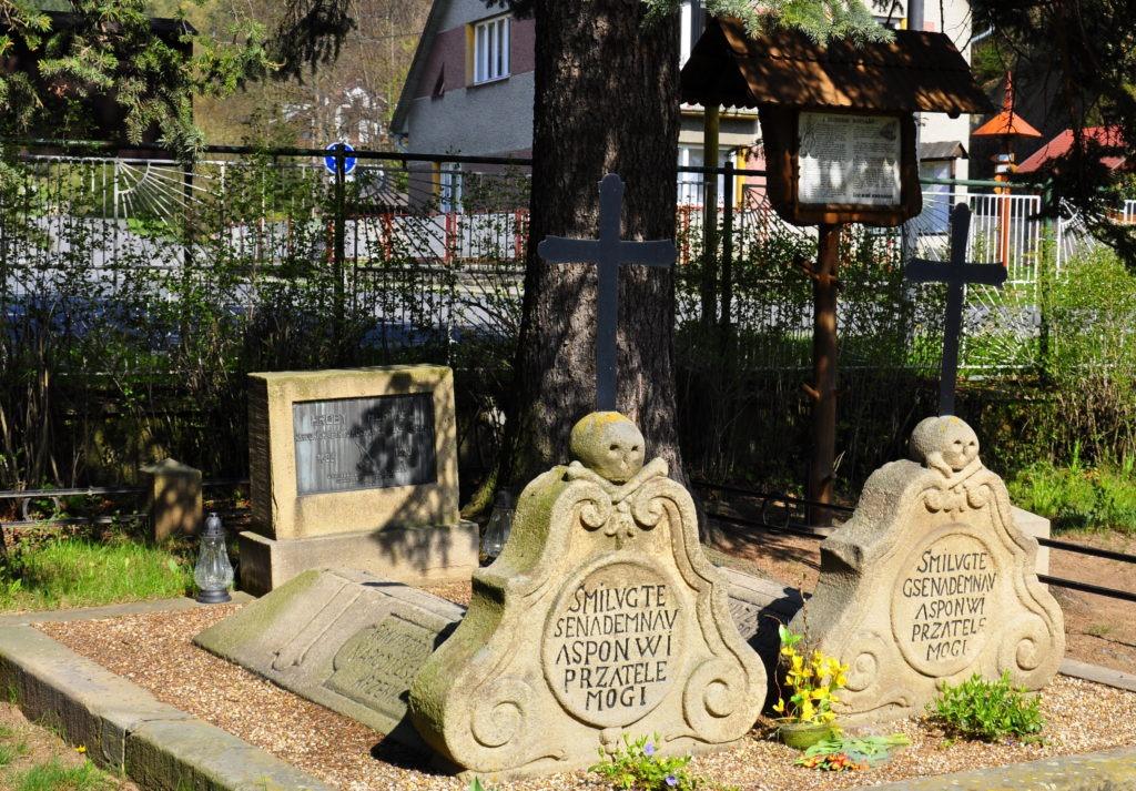Portášské hroby ve Valašské Bystřici
